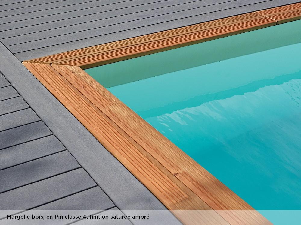 Margelle bois en Pin classe 4, finition saturée ambré pour la piscine Maéva rectangle 800 de Piveteaubois Vivre En Bois