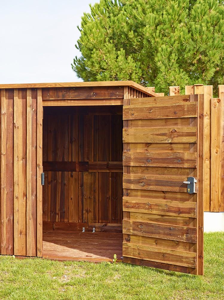 Ouverture de porte et intérieur chalet bois Marsant Vivre en Bois