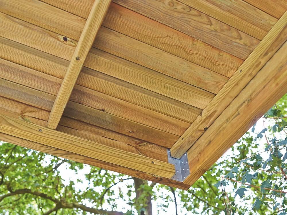 Fixation d'angle pour toiture carport en bois Rigi Pin marque Piveteaubois Vivre en Bois