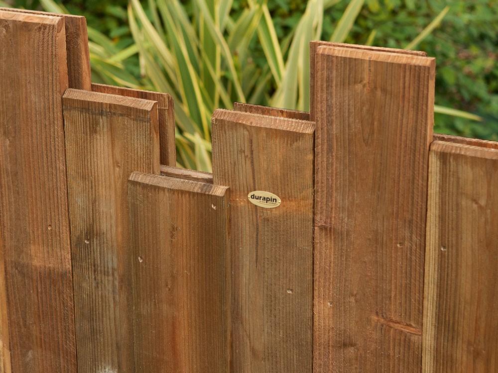 Lames de différentes tailles pour un panneau bois Nymphéa déstructuré en Pin classe 4 technologie DURAPIN marque PIVETEAUBOIS Vivre en Bois