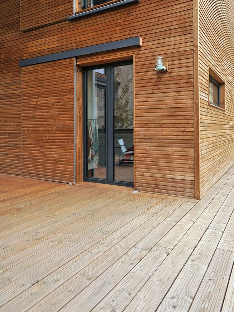 Terrasse bois marron
